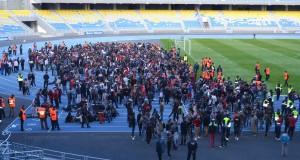 أحداث شغب عقب مباراة الاتحاد والكوديم.. والكراسي أكبر متضرر (+ صور)