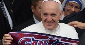 """البابا فرانسيس يُحذر: """"المال سيلوث كرة القدم""""!"""
