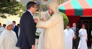 أصيلة تكرم الصحفي حاتم البطيوي الحاصل على وسام ملكي