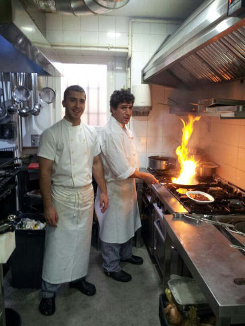 والد منير الحدادي، محمد الحدادي، يعمل طاهيا في أحد مطاعم برشلونة