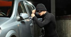 صدفة.. حادثة سير تقود إلى توقيف عصابة متخصصة في سرقة السيارات