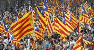 المحكمة الدستورية بإسبانيا تعلق إجراء استفتاء استقلال كتالونيا