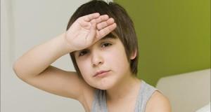 """دراسة.. إساءة معاملة الأطفال تصيبهم بـ """"الشْقِيقَة"""""""