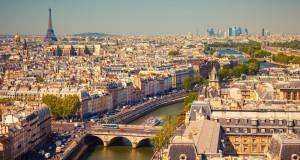 """توقيف 3 صحافيين من """"الجزيرة"""" أطلقوا طائرة بدون طيار في باريس"""