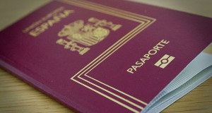 بسبب الأزمة.. إسباني يبيع جواز سفره لمغربي بمليلية!