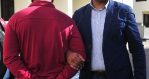 اعتقال مهاجر إفريقي سرق سيدة مسنة بحي البرانص