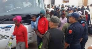 فرار 32 مهاجرا إفريقيا من الحافلة بعد ترحيلهم من طنجة إلى أيت ملول