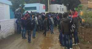 إقليم شفشاون.. تلاميذ يحتجون أمام نيابة التعليم بسبب الاكتظاظ