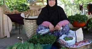 بائعة خضار تفاجأ بتعيين شقيقها وزيرا في حكومة العدالة والتنمية