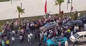 الملك محمد السادس في أحد شوارع طنجة