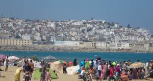 شواطئ طنجة ملوثة.. لكن الناس لا يأبهون!