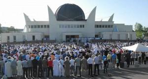 فرنسا تغلق 20 مسجدا في 8 الأشهر الأخيرة، وتعتزم إغلاق عشرات أخرى عن قريب