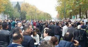 """وقفة احتجاجية بمدينة بروكسيل تطالب الدولة المغربية بمحاسبة المسؤولين عن فاجعة بائع السمك """"فكري"""""""