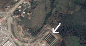 سكان مجاورون لميناء طنجة المتوسط يعيشون محاصرين بين الماء والغاز