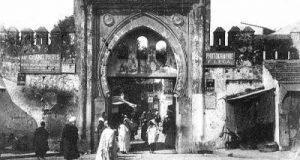 لعبة البحث في تاريخ طنجة: أين توجد هذه الباب؟
