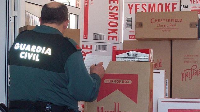 ميناء الجزيرة الخضراء: إحباط عملية أخرى لتهريب 11 ألف علبة سجائر قادمة من طنجة