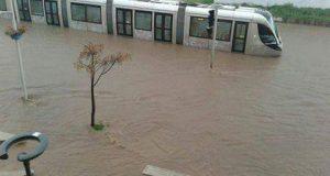 الفيضانات تشل حركة النقل بين العدوتين الرباط وسلا