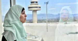 محكمة إسبانية تجيز لموظفة مسلمة بارتداء الحجاب في المطار