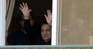 حسني مبارك حر طليق في منزله بعد 6 سنوات