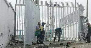 """السلطات المغربية تبني معبرا جديدا بباب سبتة خاصا بالنساء """"الحمالات"""""""