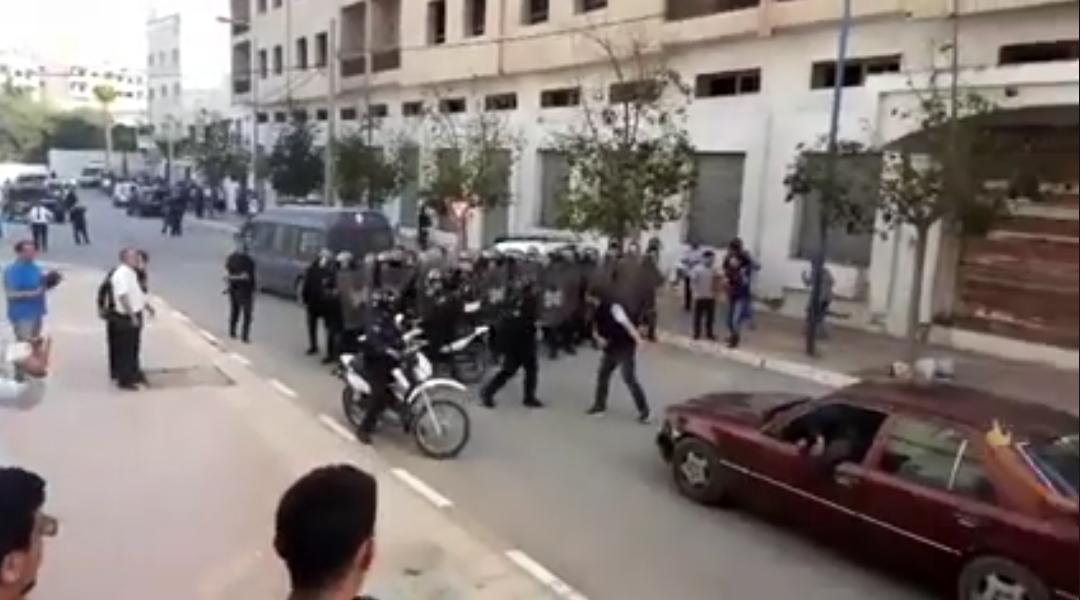"""استنفار أمني بالحسيمة بعد ورود أنباء عن محاولة فاشلة لاعتقال """"ناصر الزفزافي"""""""