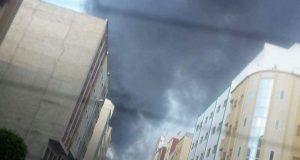 طنجة: خسائر مادية فادحة نتيجة حريق مهول بسوق بير الشيفا