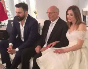 """زواج """"مفاجئ"""" بين الممثل السوري تيم حسن والإعلامية المصرية وفاء الكيلاني"""