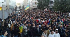 مسيرة ضخمة في الحسيمة ترد على الذين اتهموا الحراك بالانفصال