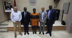 """وفد إعلامي من ساحل العاج يزور """"بيت الصحافة"""" بطنجة"""