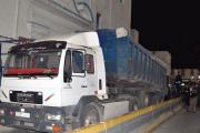 إشبيلية: سائق شاحنة للنقل الدولي يعثر على قاصر مغربي اختبأ تحت شاحنته على طول مسافة 230 كلم، من طنجة إلى إشبيلية