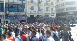 """طنجة: القوات العمومية تنجح في إفشال مسيرة احتجاجية لأطر تربوية انطلقت من """"سور المعكازين"""""""
