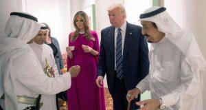 بعدما أخذ 450 مليون دولار من السعودية.. ترامب يرفض تنظيم احتفال بمناسبة عيد الفطر..!!