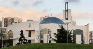 فرنسا: الشرطة تعتقل رجلا حاول دهس مصلين أمام مسجد