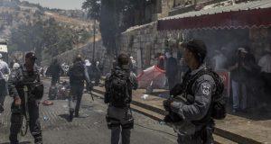 مستوطنون صهاينة يقتحمون المسجد الأقصى