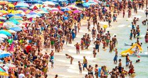 السياح في إسبانيا مستهدفون.. والسبب الازدحام وارتفاع الأسعار..!