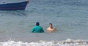 جدل الخلفي وزوجته في واد المرسى: الأغبياء دائما يناقشون التفاهات