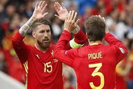 لاعبو ريال مدريد يناشدون جماهير البرنابيو عدم إطلاق صافرات الاستهجان ضد زميلهم في المنتخب جيرارد بيكي