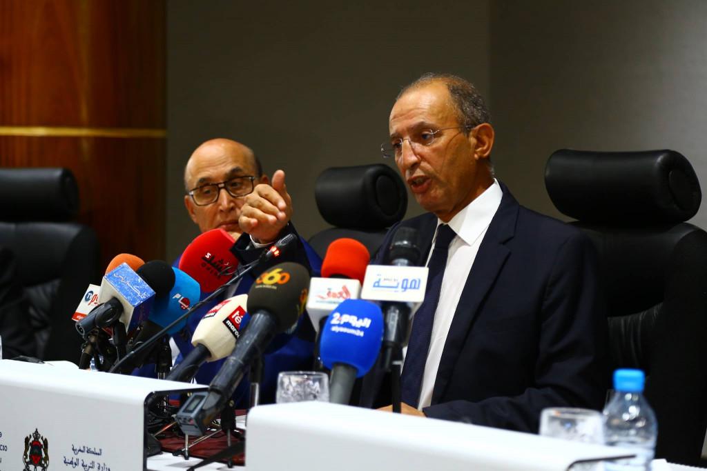الوزير حصّاد يعلن نهاية عصر الطباشير بالمدرسة العمومية المغربية