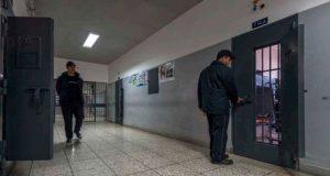 عائلات معتقلي الحراك تتهم إدارة سجن الحسيمة بالانتقام عبر تقديم وجبات رديئة