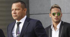 نيمار يحاكم غيابيا في إسبانيا بتهمة الغش في صفقة انتقاله إلى برشلونة