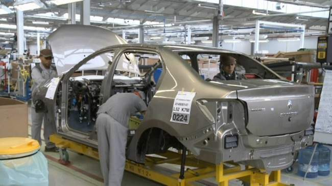 طنحة.. مهنيون فرنسيون يدعمون المقاولات الصغيرة والمتوسطة لمواكبة قطاع صناعة السيارات