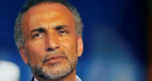 جامعة أوكسفورد توقف طارق رمضان وتمنحه إجازة مفتوحة بعد فضيحته الجنسية