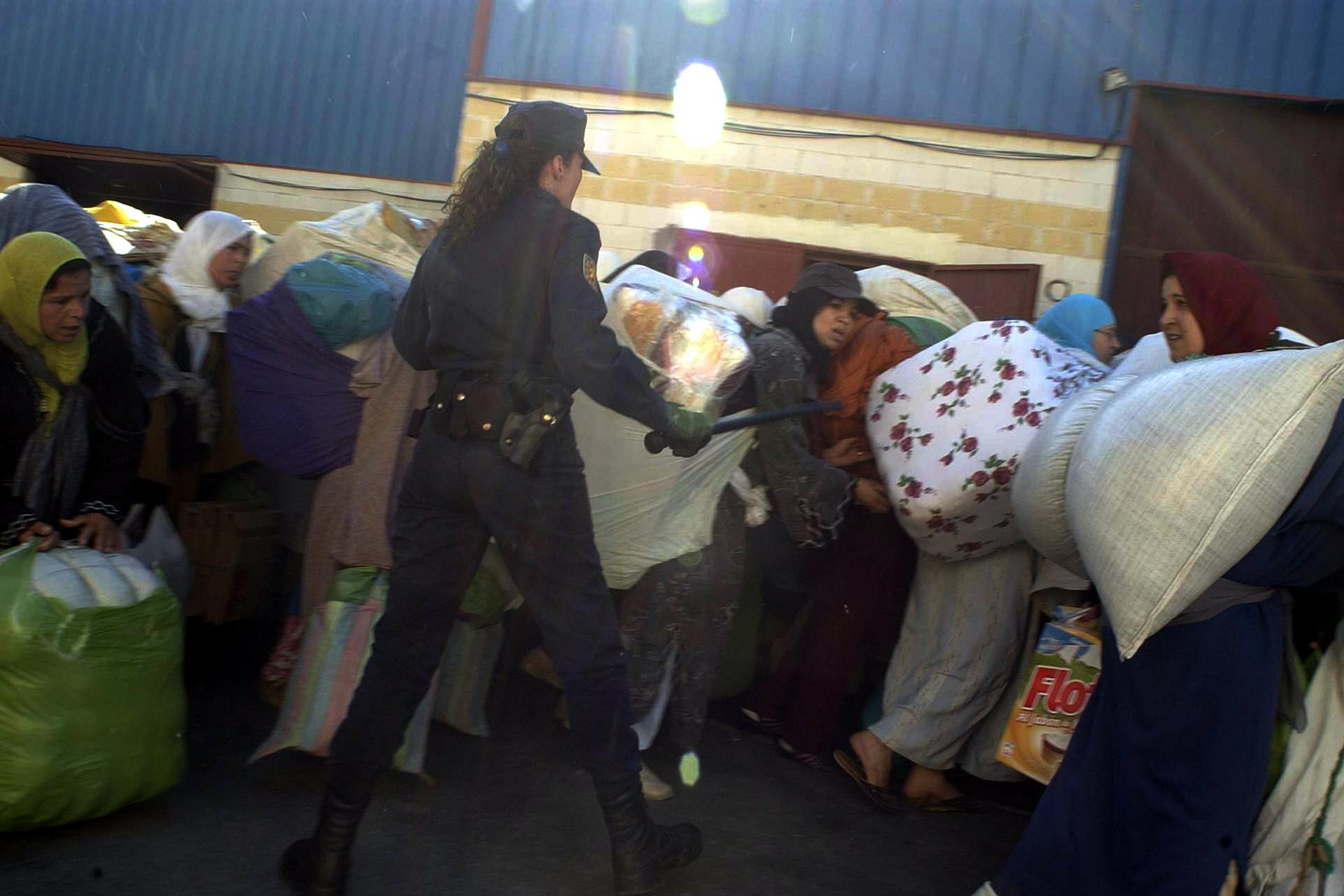 سبتة: سنة سجناً تنتظر مغربياً هدّد شرطية إسبانية بذبحها
