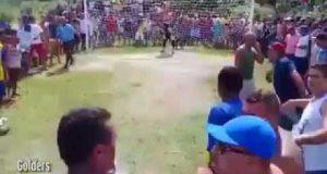 ضربة جزاء تحت التهديد بسلاح رشاش..! فيديو
