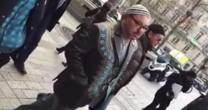الملك محمد السادس يتجول في شوارع فرنسا.. (فيديو)