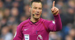 حكم إنجليزي مشهور يوقف المباراة بعد سماع صوت الآذان.. (فيديو)