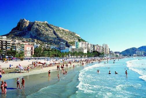 إسبانيا تتجاوز الولايات المتحدة الأميركية لتصبح ثاني دولة سياحية في العالم بعد فرنسا