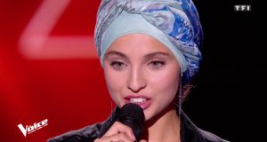 """مطربة فرنسية مسلمة تنسحب من """"ذو فويس"""" بسبب تدوينات عن هجوم باريس"""