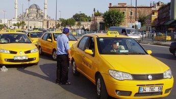 هكذا تشجع تركيا السياحة.. الحكم بالسجن على سائق طاكسي أطال رحلة زبونه السعودي طمعاً في مقابل أكبر