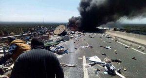 الطريق السيار مراكش/ أكادير.. وفاة ستة أشخاص احتراقاً بعد حادث سير مفجع أسفر عن احتراق شاحنة وسيارتين